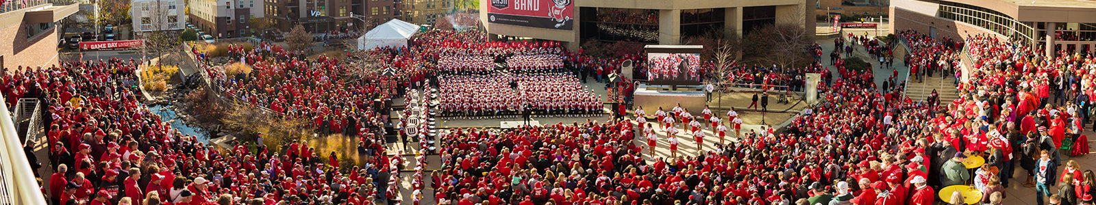 Photo of a massive crowd of alumni gathered at Union South, for Homecoming.