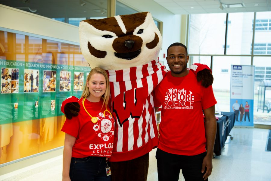 Science Expeditions, volunteers with Bucky